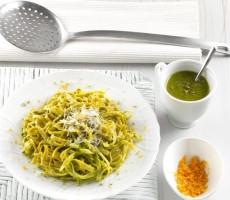 Tagliolini integrali con pesto di pistacchi e agrumi