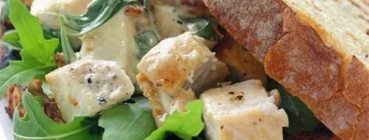 Panino con pollo al curry e maionese light