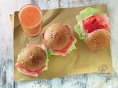 Panino farcito con crudo e verdure con frullato di melone, sedano e carote Punti - 20