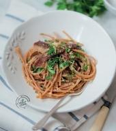 Spaghetti integrali con acciughe, prezzemolo e briciole Punti - 20