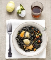 Tagliolini al nero di seppia con caponatina di verdure e capesante Punti - 20