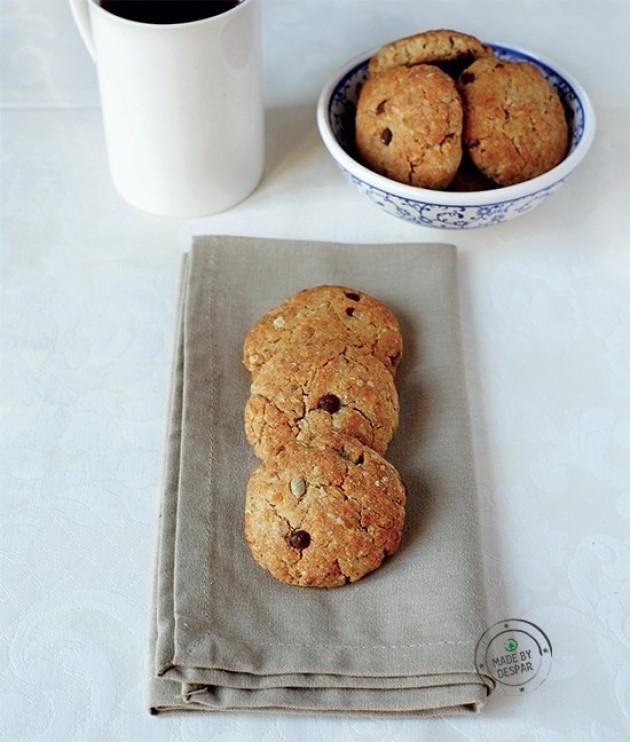 Cookies al muesli di farro con cioccolato