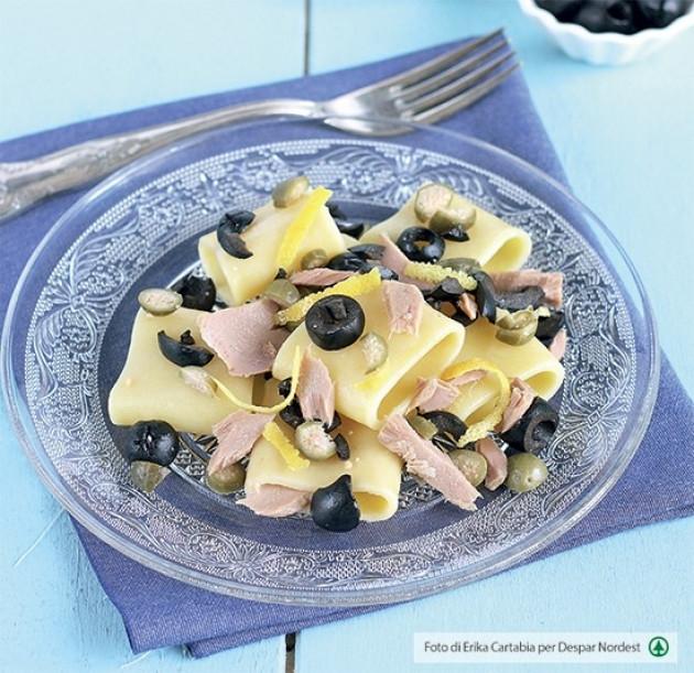 Paccheri con tonno e pesto di olive