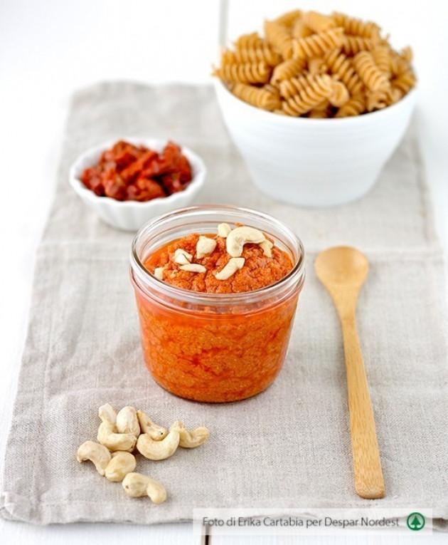 Pesto di pomodori secchi e anacardi