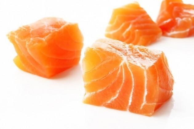 Tartare di salmone con salsa allo yogurt...