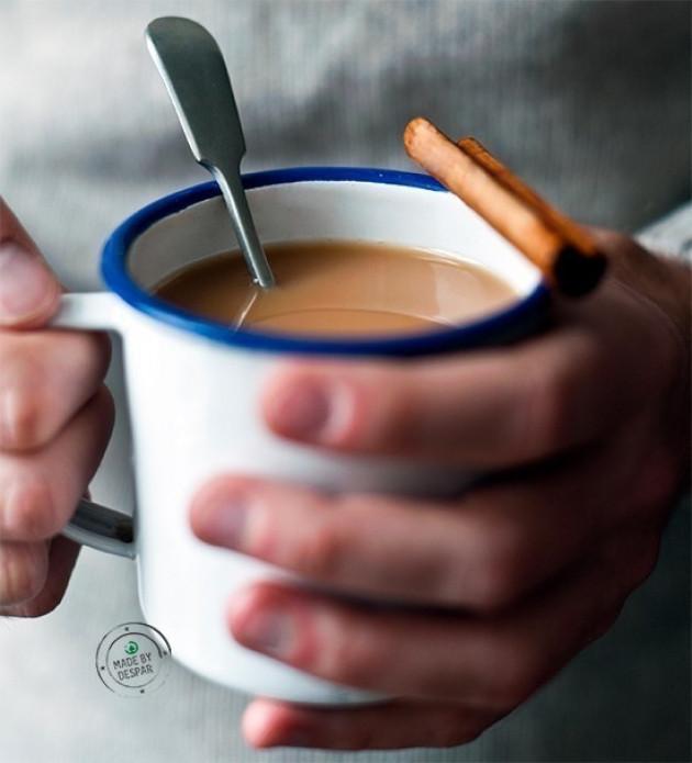 Tè Chai fai-da-te al latte d'avena