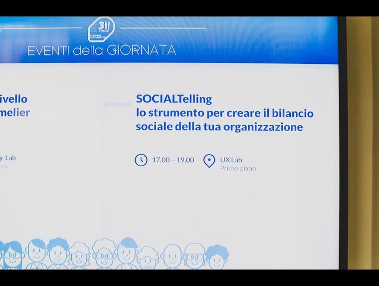 social-telling-2.jpg