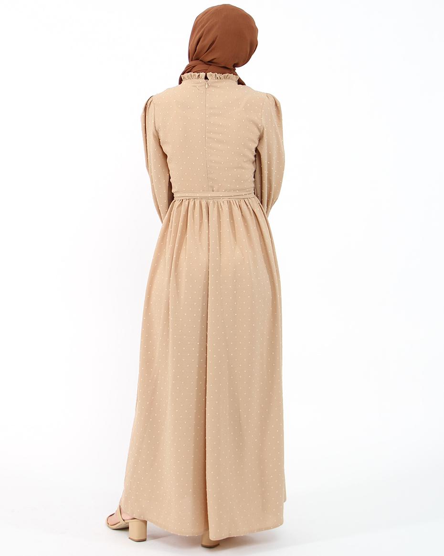 Kollları Lastikli Kalın Manşetli Kendinden Puhantiyeli Elbise BEJ