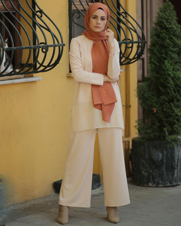 Etek Ucu Tül Detaylı Bol Paça Pantolonlu Takım Bal Köpüğü