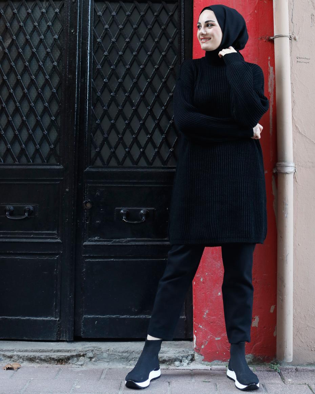 Hakim Yaka Düşük Omuz Oversize Triko Tunik Siyah