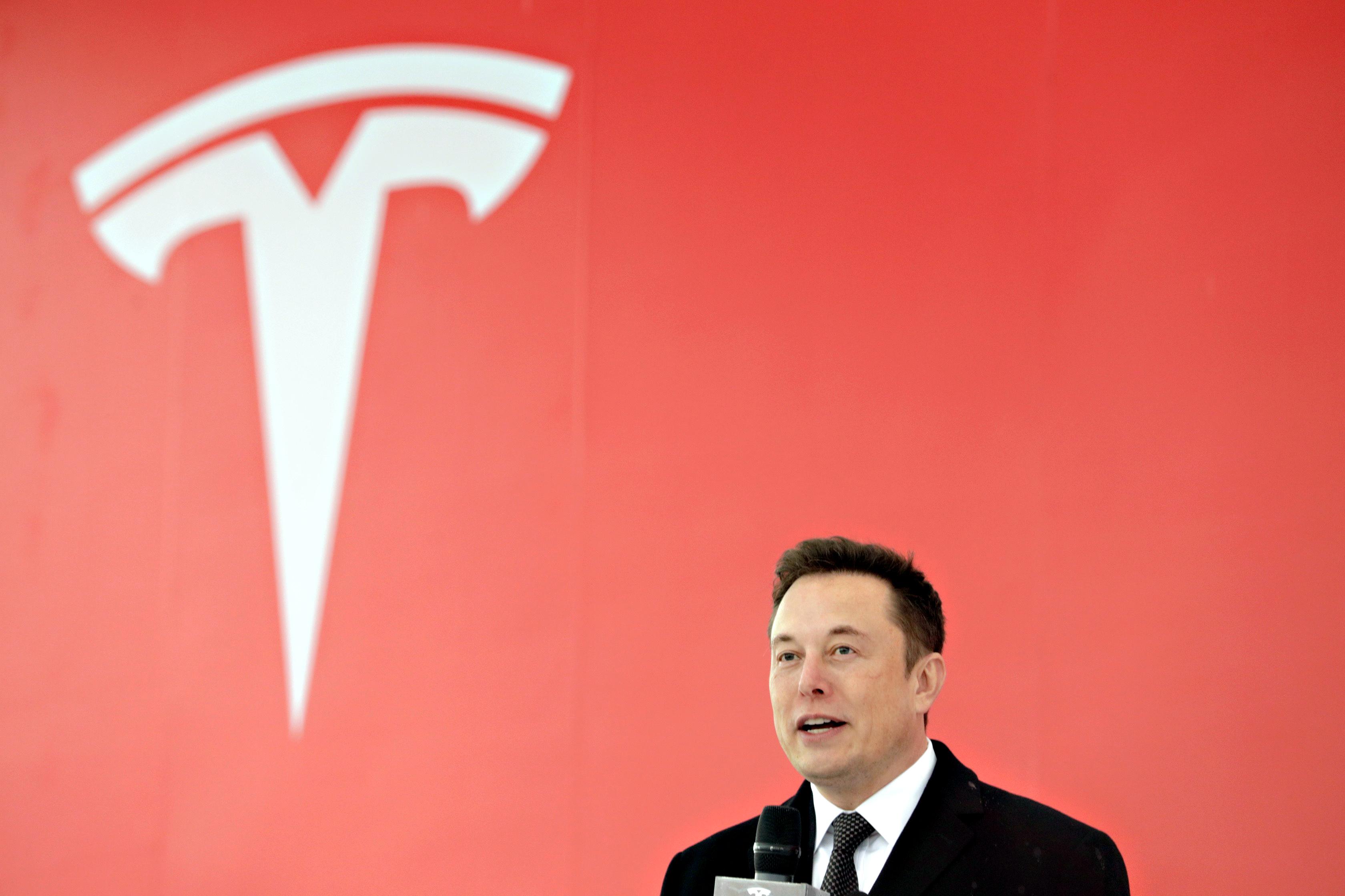 Présentation de l'entreprise Tesla par Elon Musk