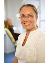 Profilbild von Dr. med. dent. Bettina Gröbke-Hallmann