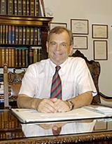 - Foto 1 von Prof. Dr. Dr. med. habil. Hartwig Wilhelm Bauer auf DocInsider.de