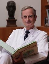 Profilbild von Prof. Dr. med. habil. Klaus Gellert