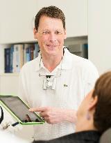 Schwerpunkte von Zahnarzt Marcel Chaneteaux sind Endodontie und Prothetik. - Foto 2 von Zahnärztliche Praxisgemeinschaft John und Chanteaux auf DocInsider.de