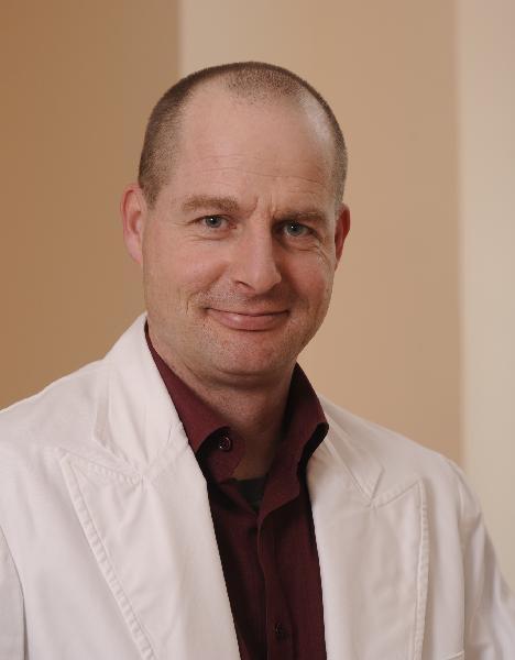 Dr. Christoph Dormann