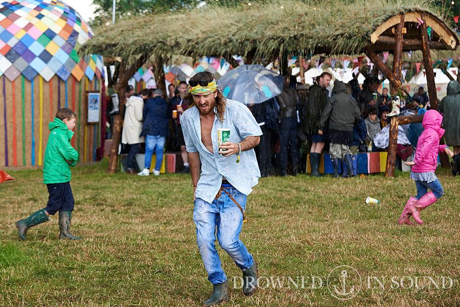 In Photos: Glastonbury Festival 2014 - Day 1 @ Worthy Farm