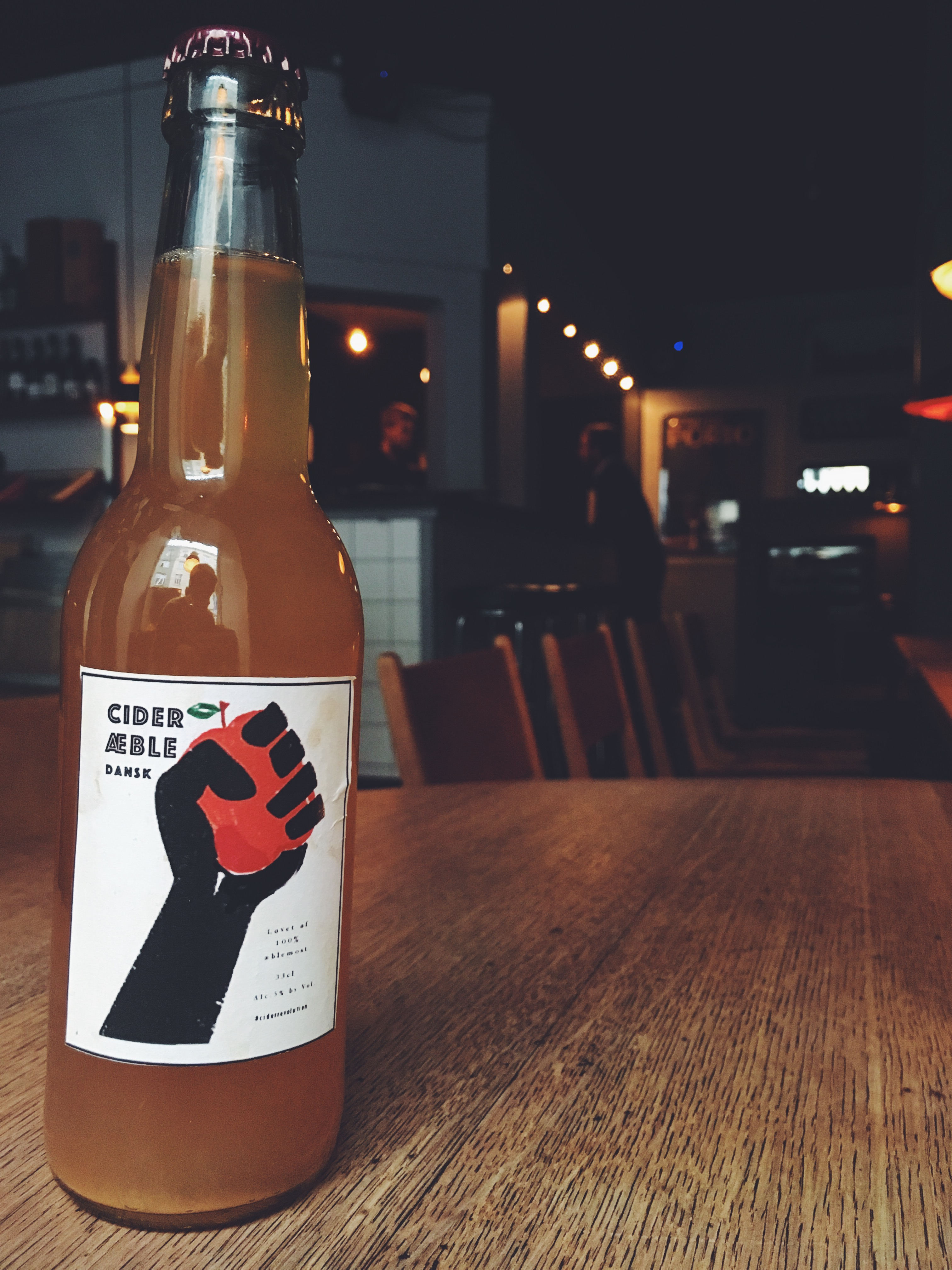 Ciderrevolution flaske indenfor.jpg