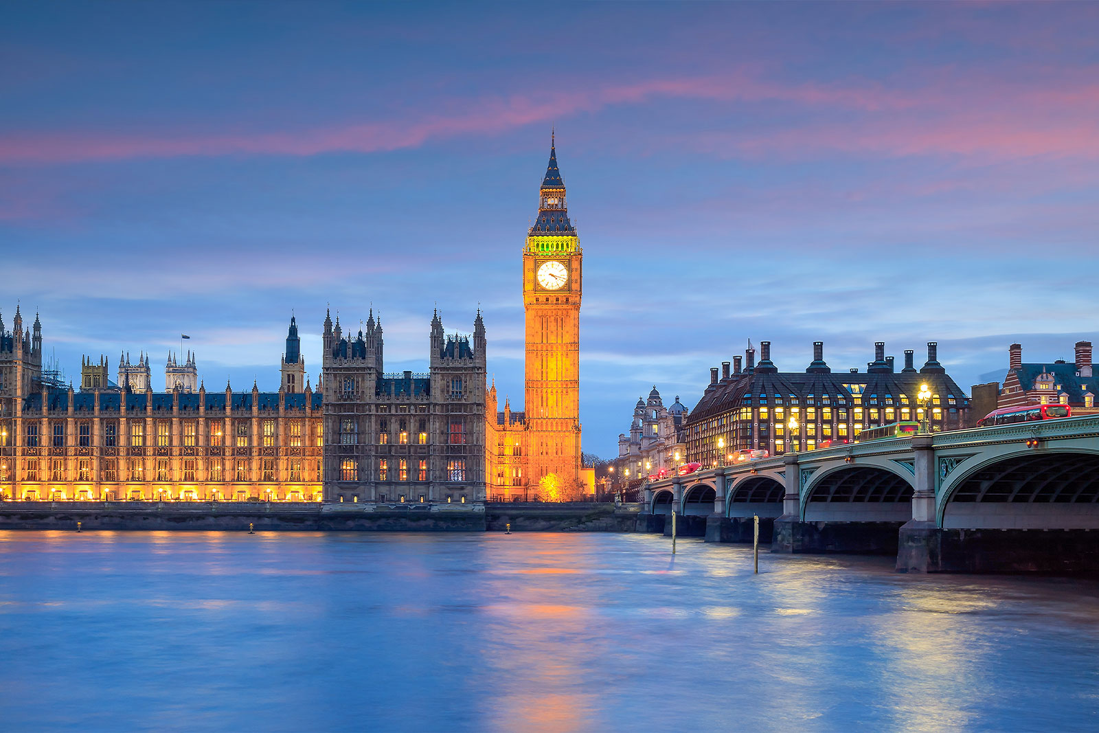 How to Become an In-Demand Digital Professional in the UK