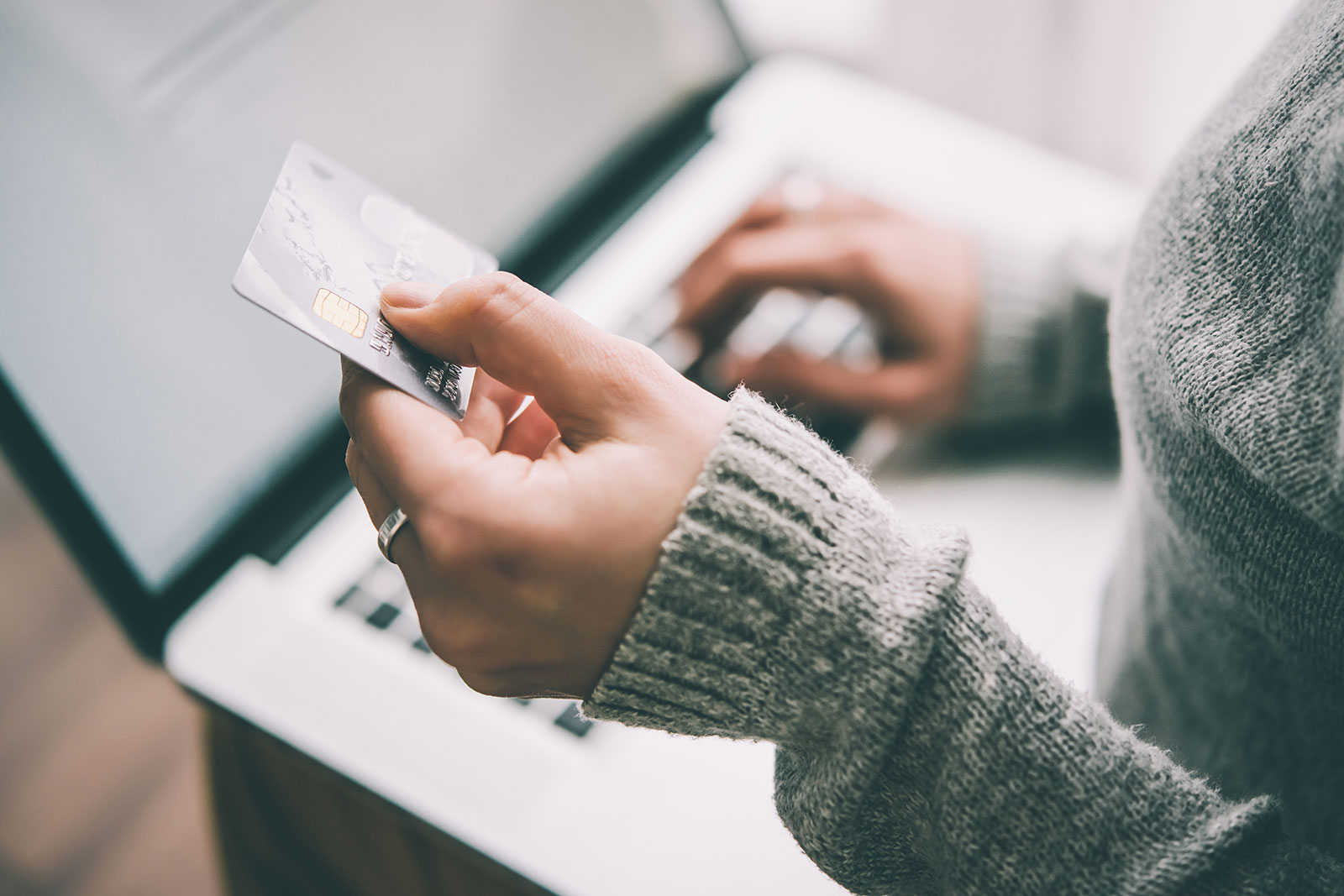 What are the Benefits of e-Commerce to Your Business?