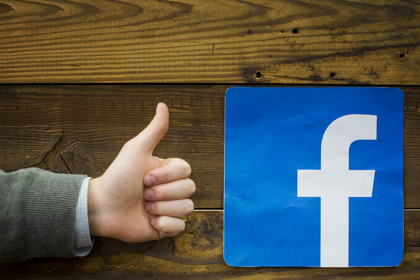 Facebook Marketing Tip – A Facebook Page is not just for Christmas