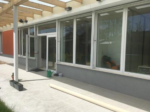 Mytí oken v centru rané péče