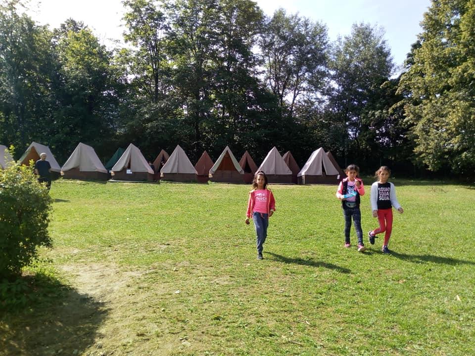 Táborová základna na tábory pro chudé děti