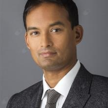 Jaheed Khan - Ophthalmologist London