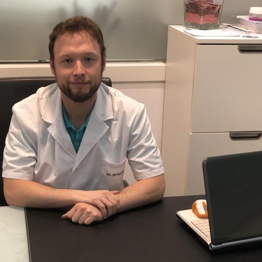 Dr Lucas Arroyave Villa Opiniones Endocrino Barcelona