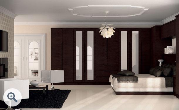 Horizontal Melinga Oak finish bedroom picture