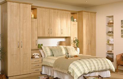 Shaker Ottowa bedroom in Canadian Maple finish