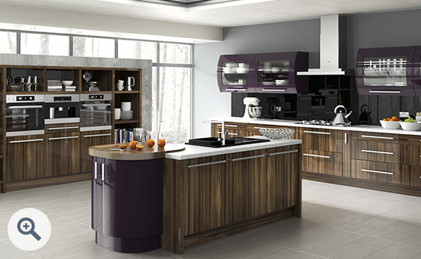 High Gloss Tiepolo and High Gloss Aubergine kitchen picture