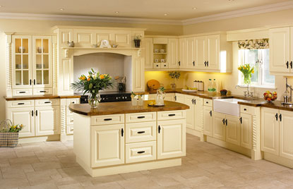 Premier Calcutta kitchen in Vanilla finish