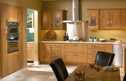 Shaker Houston kitchen in Pippy Oak finish