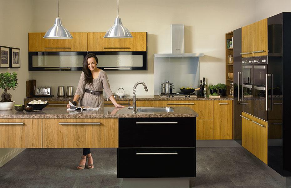 Premier duleek kitchen doors in teak and high gloss black for Homestyle kitchen doors