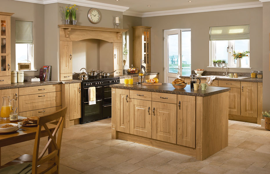 Premier rosapenna kitchen doors in winchester oak by homestyle for Kitchen entrance door designs