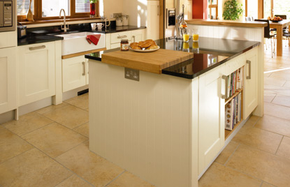 Shaker Cologne kitchen in Hornschurch Ivory finish