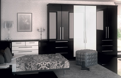 Premier Duleek bedroom in High Gloss Black and High Gloss White finish
