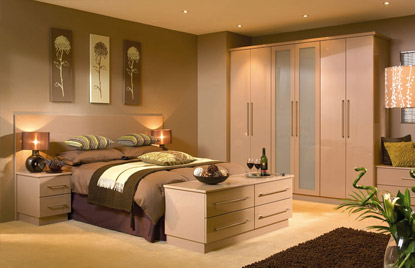 Premier Duleek bedroom in High Gloss Cappuccino finish
