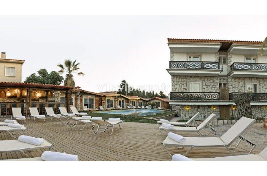 Alaçatı Hacımemiş Mevkinde  Satılık  Ve Butik Otel görseli