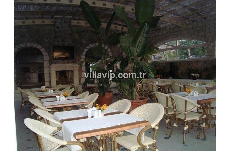 Çeşme  Ilıcada Full Deniz Manzaralı Ilıcada 24 Odalı, Havuzlu Satılık Otel görseli