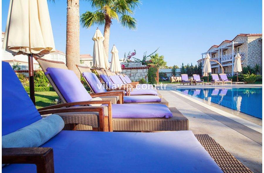Çeşme  Alaçatı Hacımemişte 22 Odalı Havuzlu Taş Butik Otel görseli