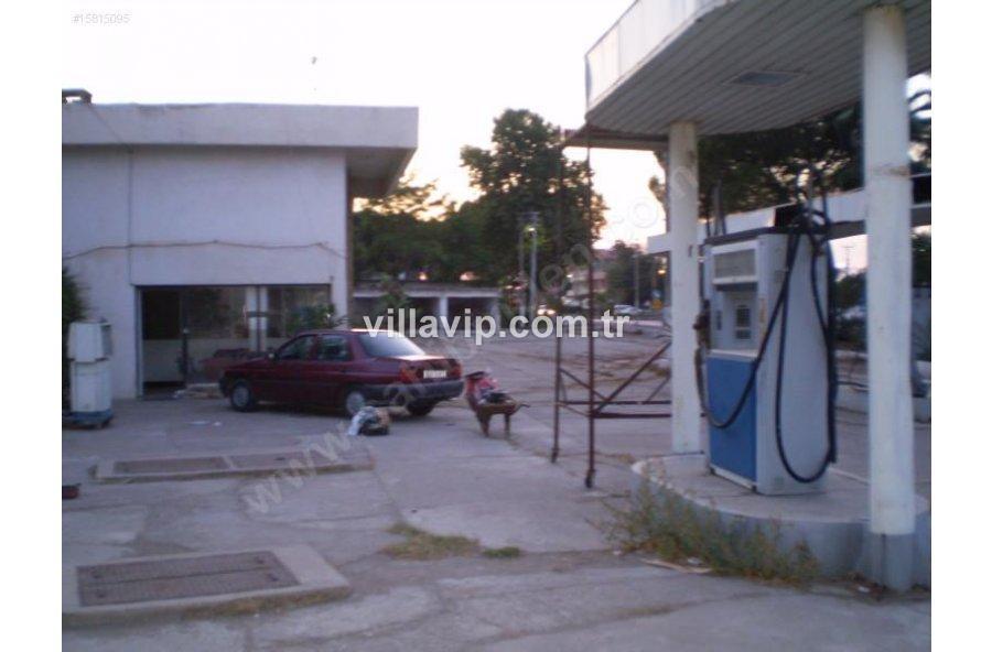 Torbalı - Aydın Yolu Üzerinde Akaryakıt İstasyonu görseli