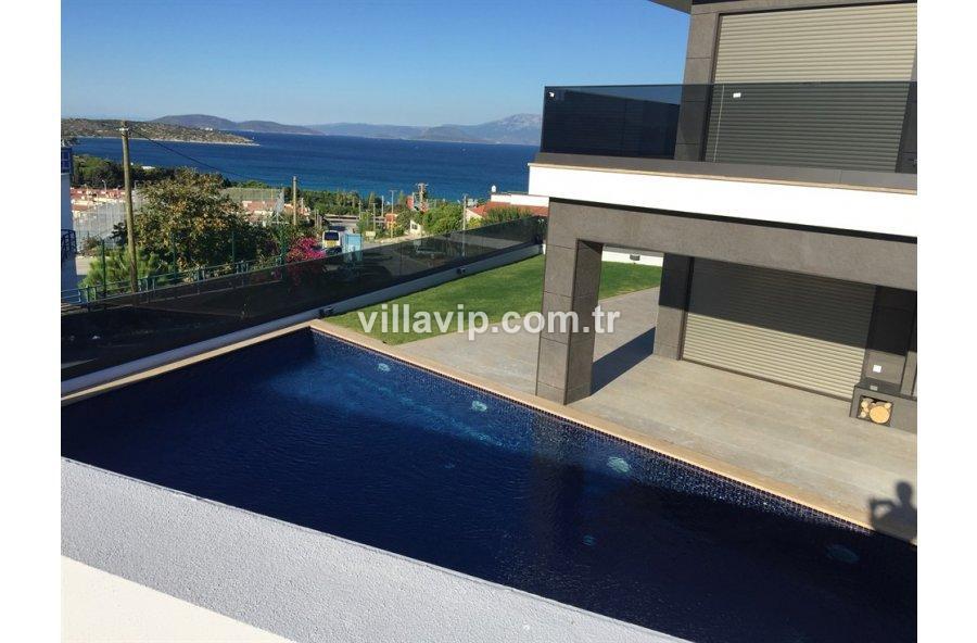Boyalık Yamaç Deniz Manzaralı  Lüks  Dizayn Villa görseli