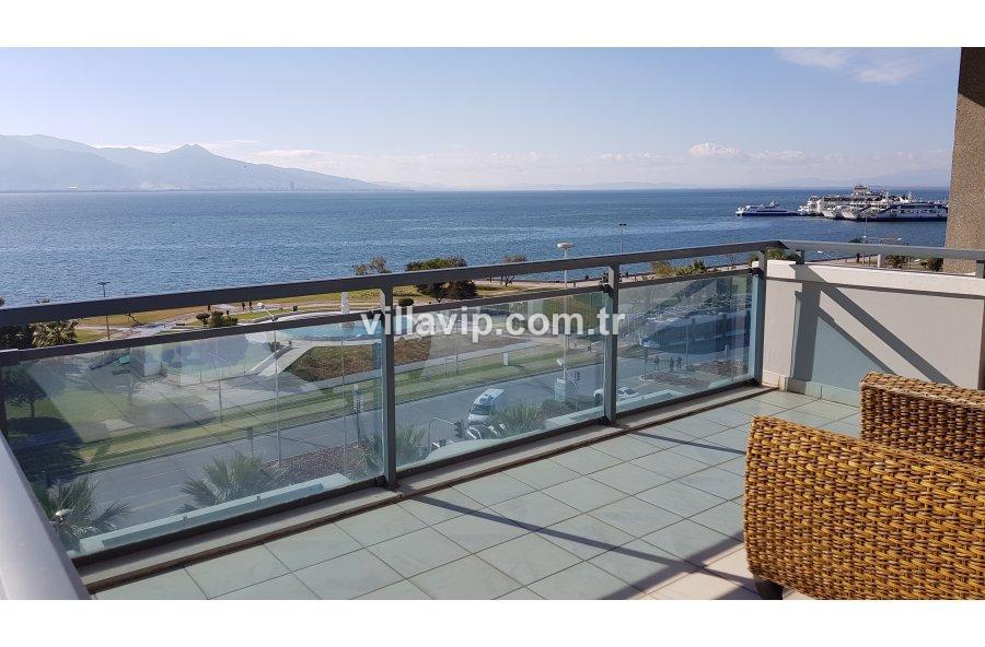 Sahilevleri'nde Denize Yürüyüş Mesafesinde Villa görseli