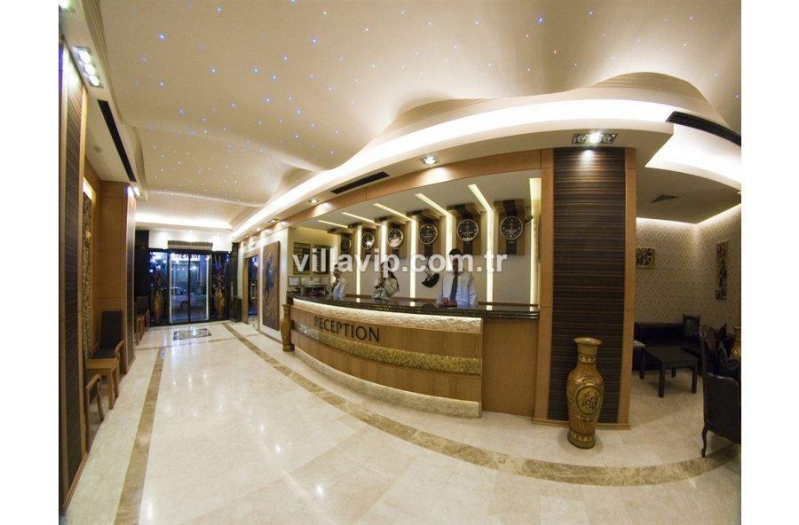 İzmir Oteller Bölgesinde Üç Yıldız Otel görseli