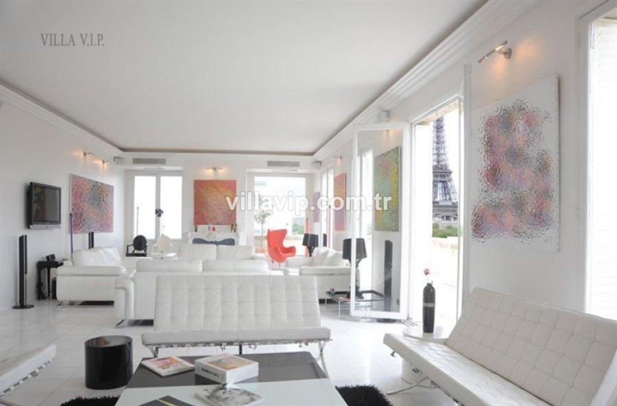 Parıs + Eıffel + Penthouse = Kesınlıkle Sıradışı görseli