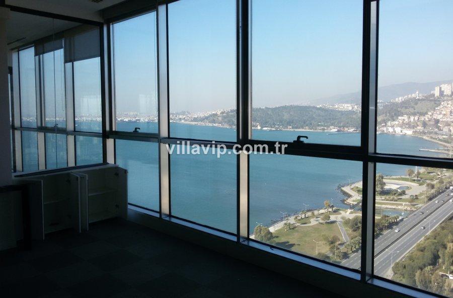 İzmirin En Güzel Plazasın'da Kiralık Ofis Katı görseli