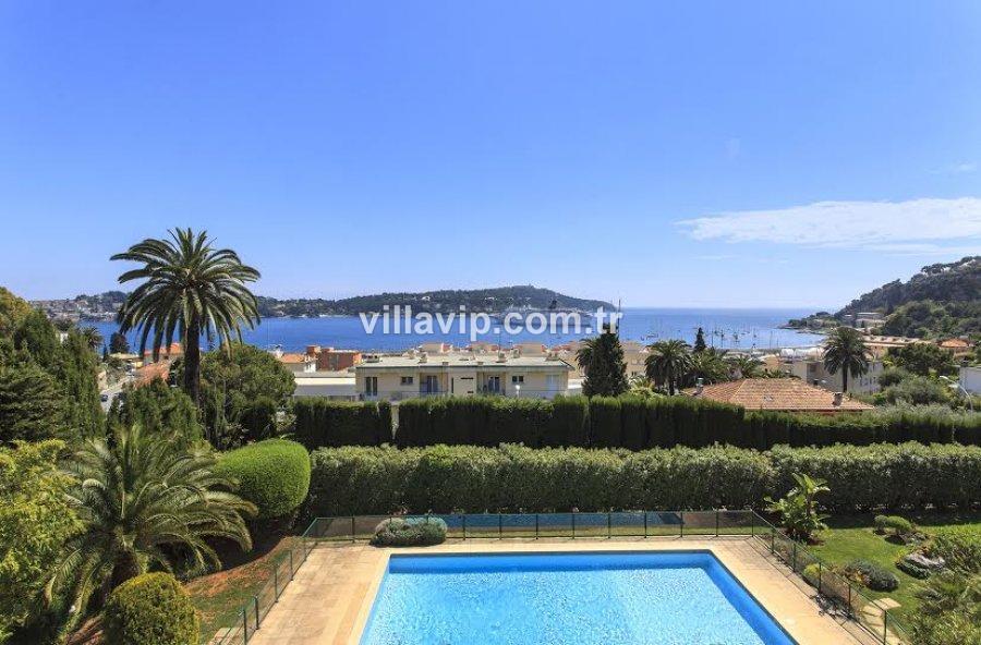 Panaromik Cap Ferrat Manzaralı Sevimli Villa görseli