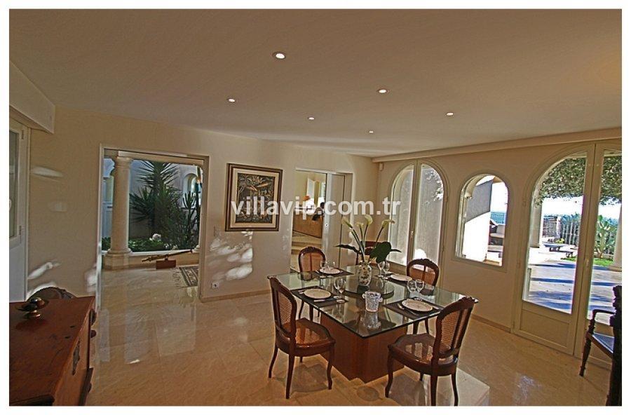 Cap D'aıl Deniz Manzaralı Harika Bir Villa Fırsatı görseli